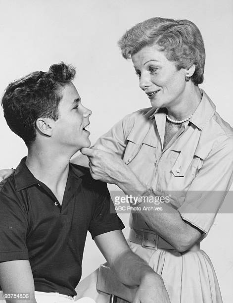 BEAVER Gallery 19571963 Tony Dow Barbara Billingsley
