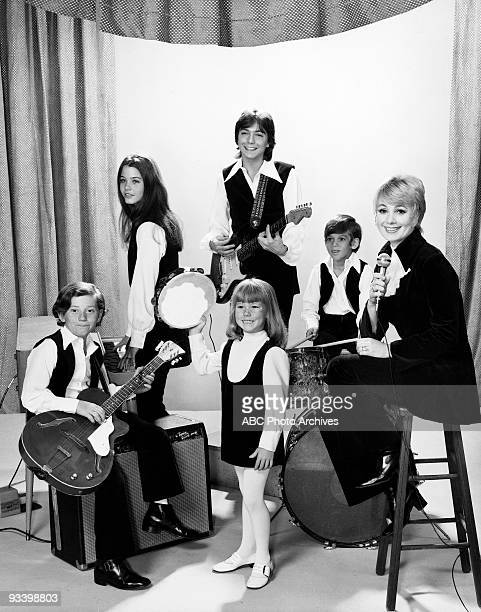 FAMILY Gallery 1970 Danny Bonaduce Susan Dey David Cassidy Suzanne Crough Jeremy Gelbwaks Shirley Jones