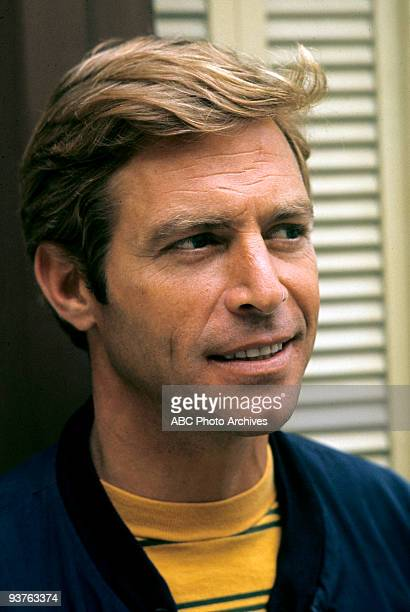 LONGSTREET Gallery 6/16/1971 James Franciscus stars as Michael Longstreet a New Orleans insurance investigator who loses his sight and his wife in an...