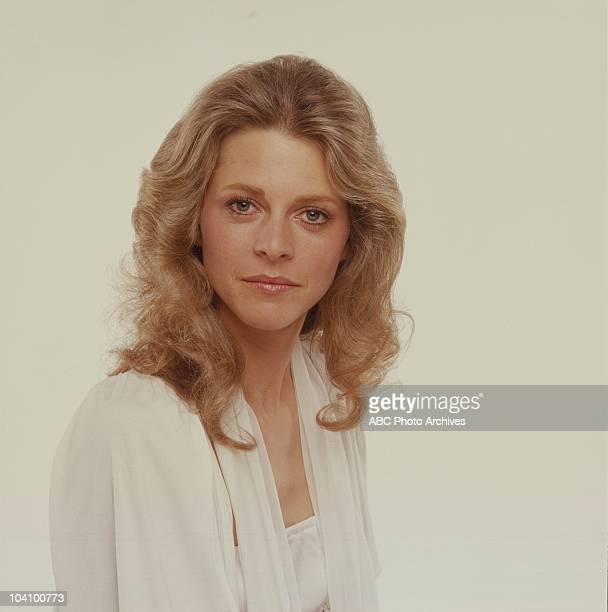 WOMAN 'AD Gallery' Airdate December 30 1975 LINDSEY