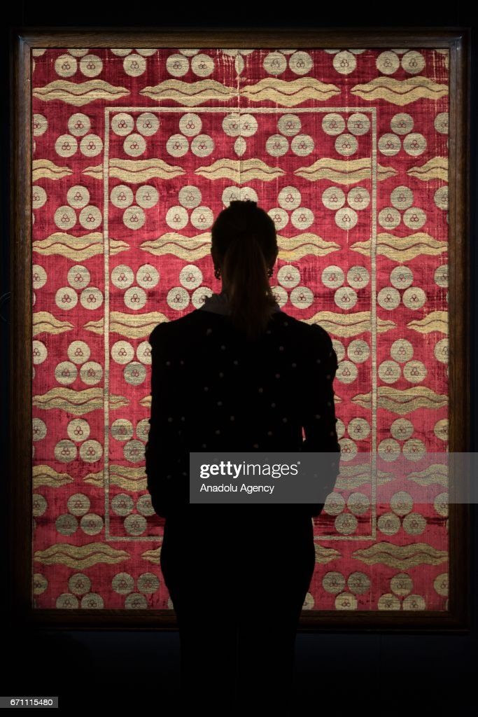 Strange A Gallery Assistant Views A Large And Exceptional Ottoman Squirreltailoven Fun Painted Chair Ideas Images Squirreltailovenorg