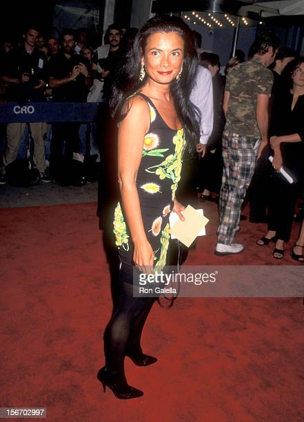Gallery owner Mary Boone attends the Basquiat New York City Premiere on July 31 1996 at Paris Theater in New York City Photo by Ron Galella Ltd/Ron...