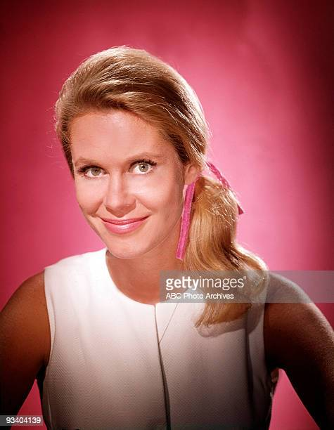 BEWITCHED gallery Season Five 9/26/68 Elizabeth Montgomery
