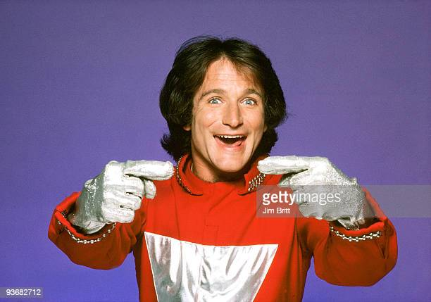 MORK MINDY gallery Season One 9/14/78 The character of Mork an alien from the planet of Ork became so popular from an episode of Happy Days that it...
