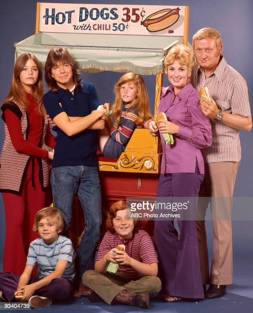 FAMILY gallery Season Two 5/22/72 Susan Dey David Cassidy Suzanne Crough Shirley Jones Dave Madden Brian Forster Danny Bonaduce