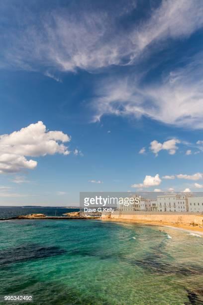 gallipoli town beach - apulien stock-fotos und bilder