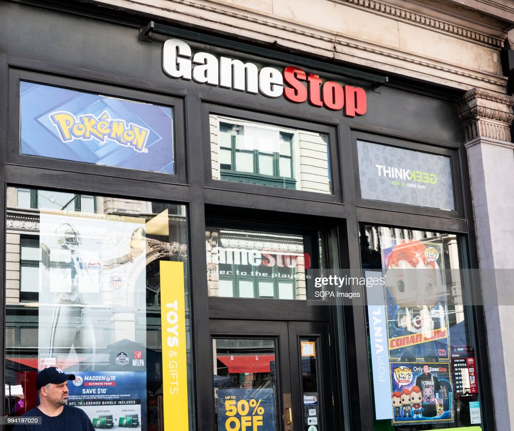 Game Stop store in New York City... : News Photo
