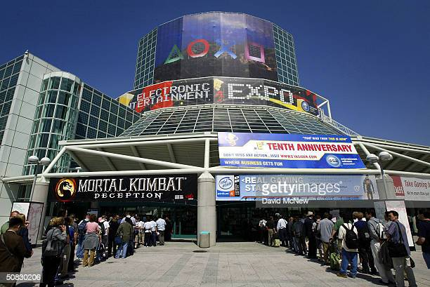 Gamers line up to get into the Los Angeles Convention Center on opening day of the 10th annual Electronic Entertainment Expo on May 12, 2004 in Los...