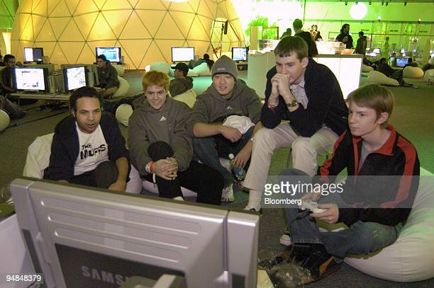 Gamers play Peter Jackson's King Kong on Microsoft Corp.'s new Xbox 360 video-game console at the Zero Hour event in Palmdale, California late...