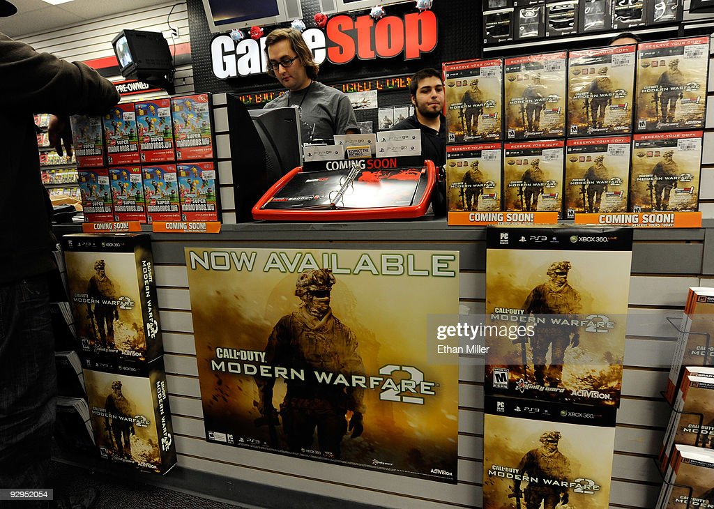 Midnight Release Of New Call Of Duty Game Draws Crowds Of Gamers : News Photo