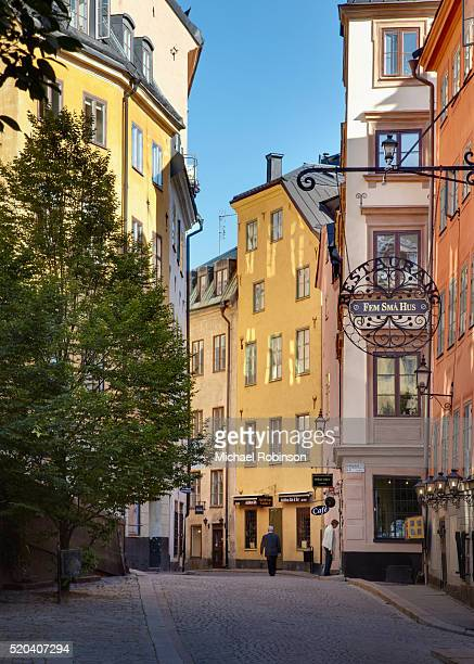 gamla stan cobblestone road near stockholm palace sweden - michael robinson stock pictures, royalty-free photos & images