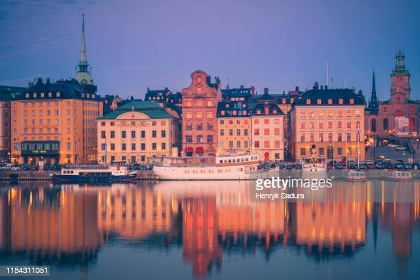 gamla stan - old town of stockholm - stockholm cathedral stock pictures, royalty-free photos & images