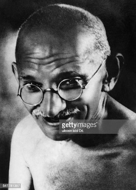Gandhi Mahatma *02101869Politiker IndienFuehrer der indischen Unabhaengigkeitsbewegung Portrait 1940