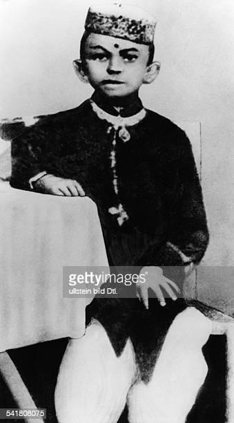 Gandhi Mahatma *02101869Politiker IndienFuehrer der indischen Unabhaengigkeitsbewegung als kleiner Junge im Alter von sieben Jahrenin Porbandar...