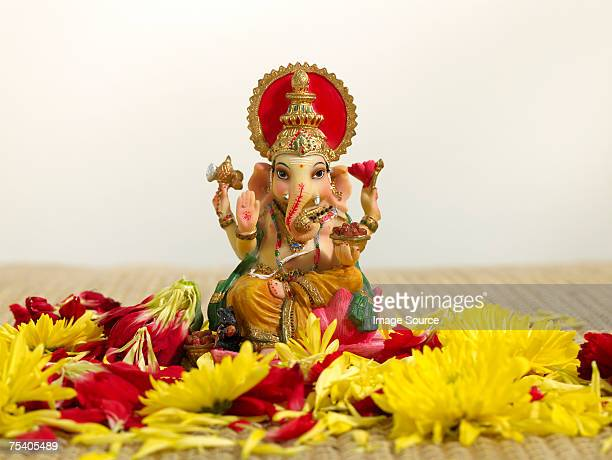 ganesh statuette - dieu hindou photos et images de collection