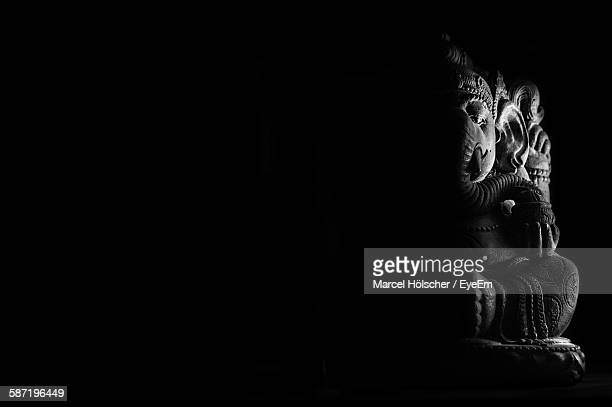ganesha statue in temple - ganesha stock pictures, royalty-free photos & images