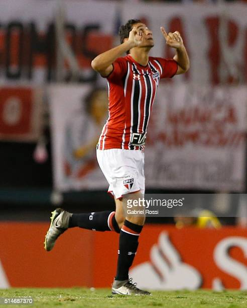 Ganso of Sao Paulo celebrates after scoring the first goal of his team during a match between River Plate and Sao Paulo as part of Group 1 of Copa...