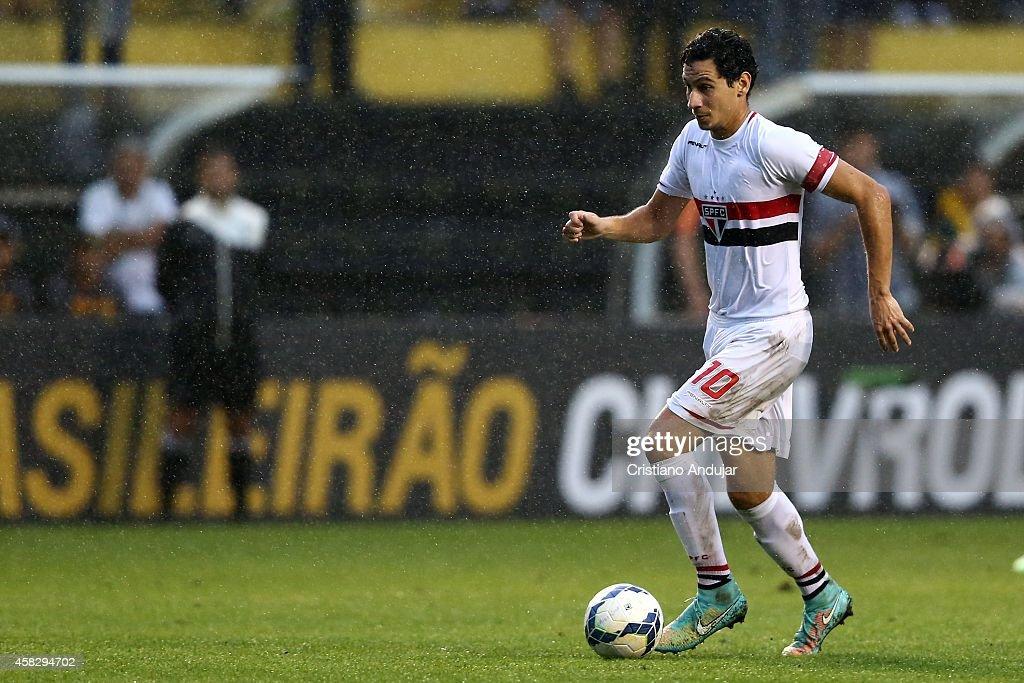 Criciuma v Sao Paulo - Brasileirao Series A 2014 : News Photo