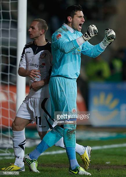 Gaolkeeper Philipp Tschauner of St Pauli celebrates during the Second Bundesliga match between 1 FC St Pauli and FSV Frankfurt 1899 at Millerntor...