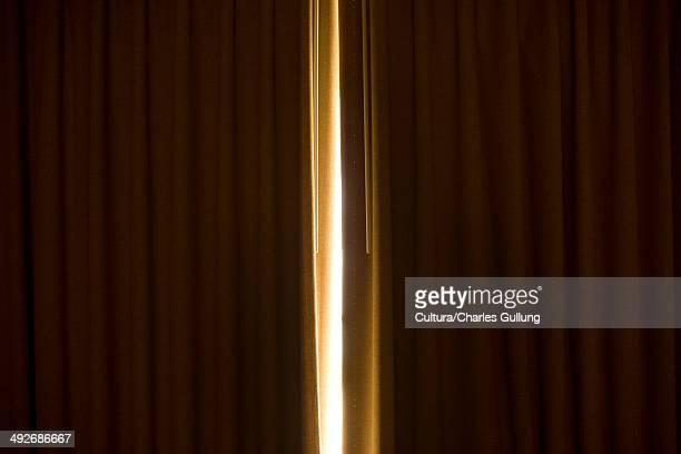 Gap in curtain