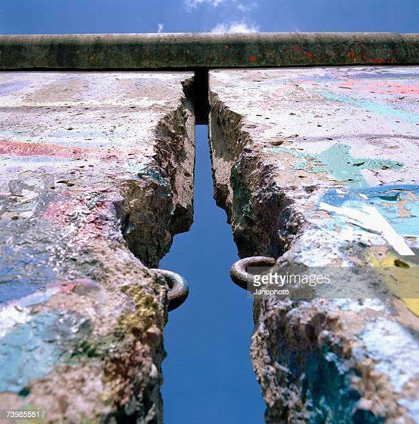 gap in the berlin wall, germany - berliner mauer stock-fotos und bilder