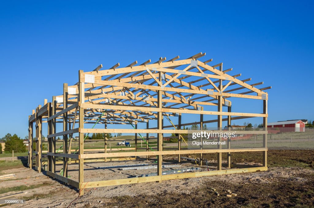 Garage Construction In Suburbia Usa Wood Wooden Roof Truss System