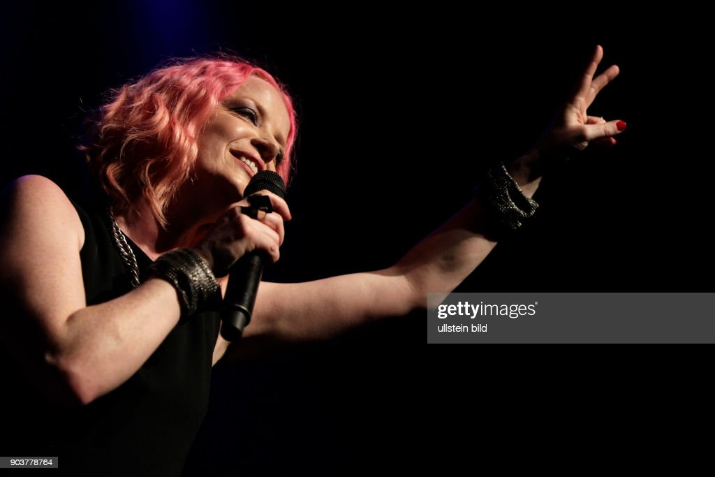 "Amerikanische Rockgruppe Garbage gastiert auf ihrer ""20 Years of Queer""-Tour im Palladium Köln : News Photo"