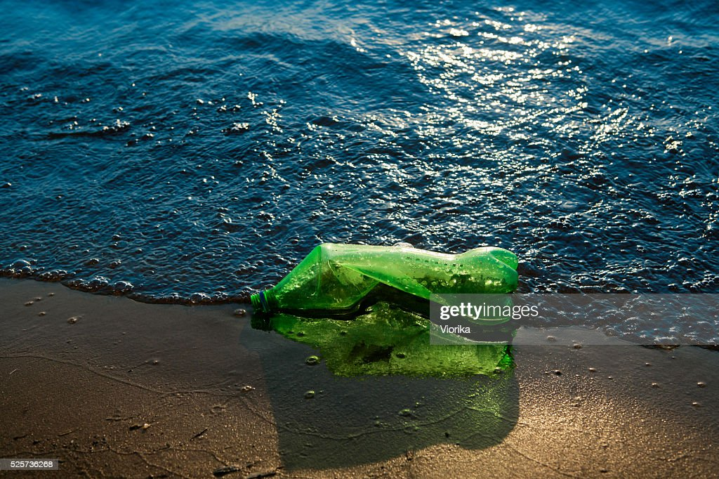 Garbage at the seashore : Stock Photo