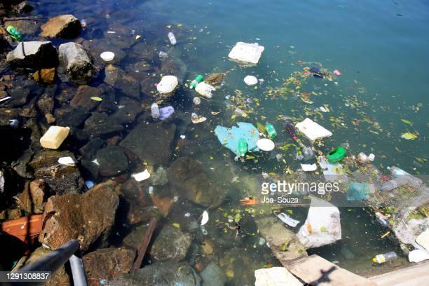 müllentsorgung auf see - kontaminierung stock-fotos und bilder