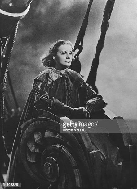 Garbo Greta Actress Sweden * Portrait in the film 'Queen Christina' Directed by Rouben Mamoulian USA 1933 Film Production MetroGoldwynMayer 1933
