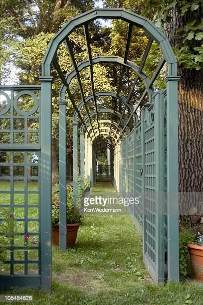 jardin arbor - pergola photos et images de collection