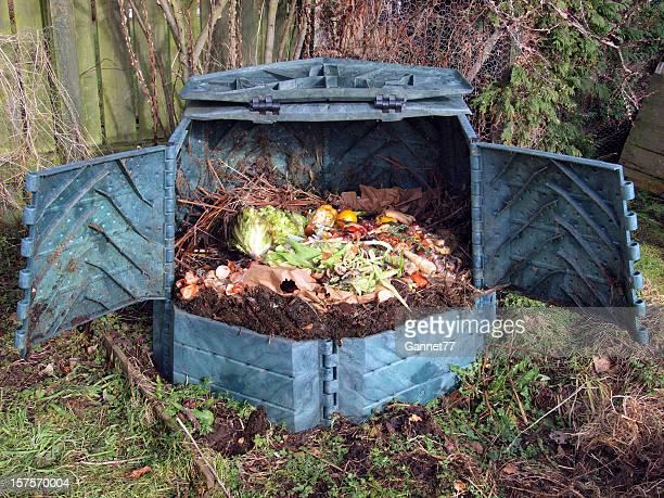 jardin compost bin - humus photos et images de collection