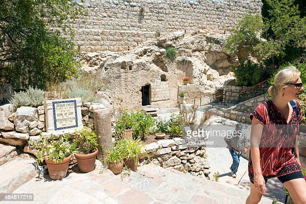 garden tomb in jerusalem - jesus entry into jerusalem stock pictures, royalty-free photos & images