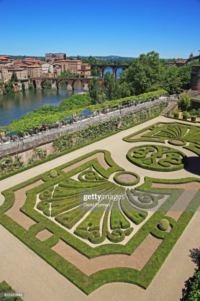 Gardens of the Palais de Berbie in Albi, France. : Stock Photo