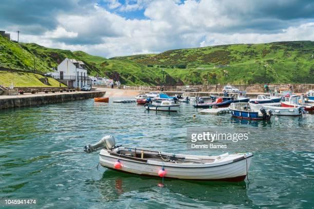 gardenstown harbour, moray firth, aberdeenshire, highland region, scotland - モーレイ湾 ストックフォトと画像