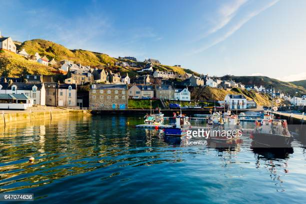 gardenstown village, aberdeenshire, scotland, uk - coastline stock photos and pictures