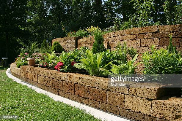 gardenwall - stone wall stock pictures, royalty-free photos & images