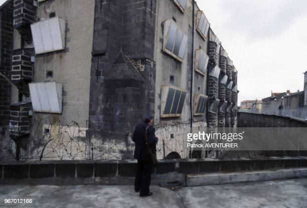 Gardien dans un centre de détentions d'algériens dans les années 70 Circa 1970