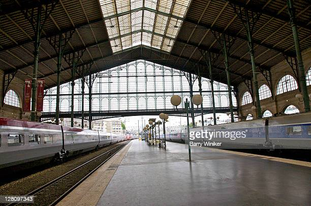 gare du nord landmark train station, interior, looking toward the historic shed, paris, france - station stock pictures, royalty-free photos & images