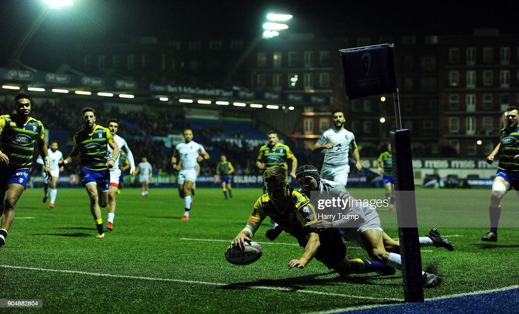 Gareth Anscombe of Cardiff Blues goes over for his sides second try during the European Rugby Challenge Cup match between Cardiff Blues and Toulouse at Cardiff Arms Park on January 14, 2018 in Cardiff, United Kingdom.