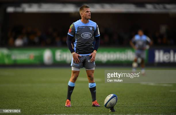 Gareth Anscombe of Cardiff Blues lines up a shot at the posts during the Champions Cup match between Cardiff Blues and Saracens at Cardiff Arms Park...