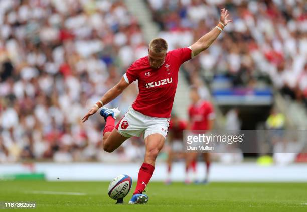 Gareth Anscombe of Wales attempts a conversion kick during the 2019 Quilter International match between England and Wales at Twickenham Stadium on...