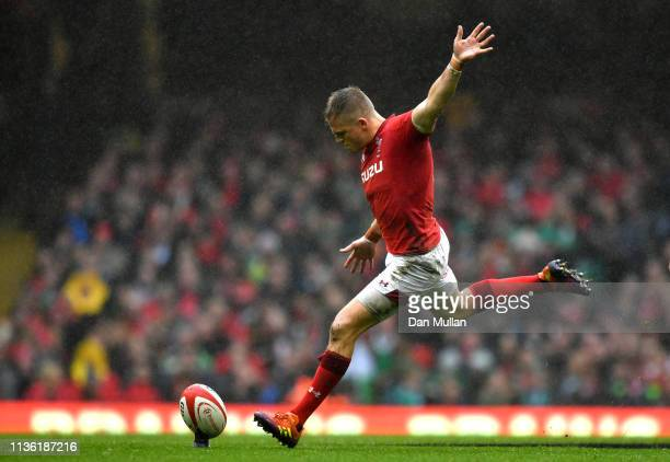 Gareth Anscombe of Wales scores a penalty kick during the Guinness Six Nations match between Wales and Ireland at Principality Stadium on March 16...