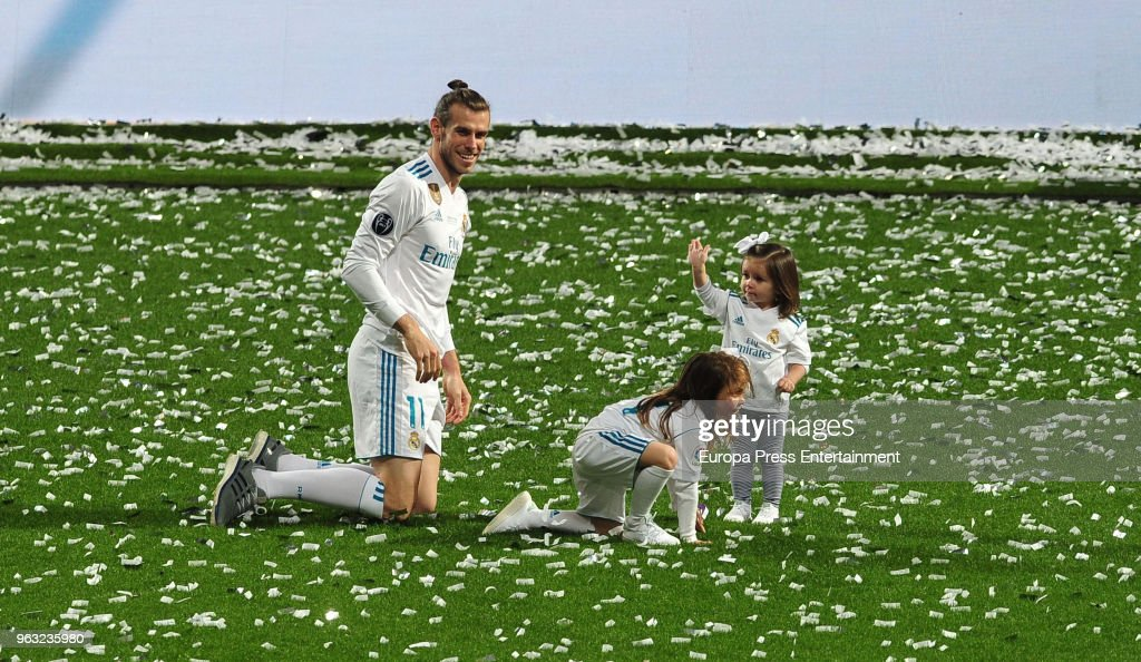 Gareth Bale and kids Alba Bale and Nava Bale during the Real Madrid team celebration after winning their 13th European Cup on May 27, 2018 in Madrid, Spain.