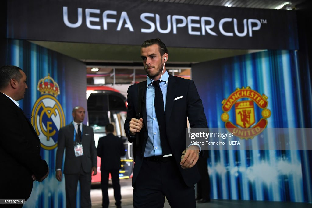 Gareth Bale of Real Madrid arrives at his dressing room ahead of the UEFA Super Cup between Real Madrid and Manchester United at Nacional Arena Philip II Macedoninan on August 8, 2017 in Skopje, Macedonia.