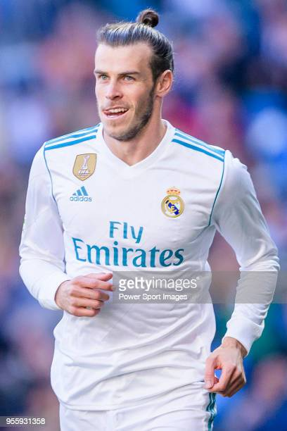 Gareth Bale of Real Madrid celebrates after scoring his goal during the La Liga 2017-18 match between Real Madrid and CD Leganes at Estadio Santiago...