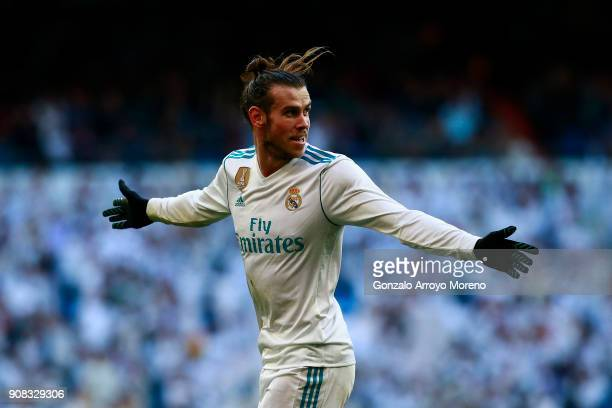 Gareth Bale of Real Madrid CF celebrates scoring their second goal during the La Liga match between Real Madrid CF and Deportivo La Coruna at Estadio...