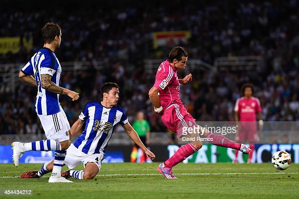 Gareth Bale of Real Madrid CF scores his team's second goal during the La Liga match between Real Sociedad de Futbol and Real Madrid CF at Estadio...