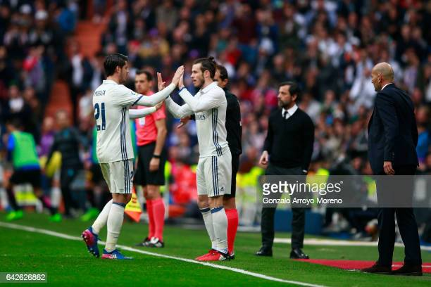 Gareth Bale of Real Madrid CF substitutes his teammate Alvaro Morata during the La Liga match between Real Madrid CF and RCD Espanyol at Estadio...