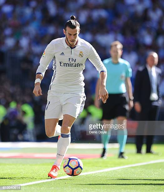 Gareth Bale of Real Madrid in action during the La Liga Match between Real Madrid CF and SD Eibar at estadio Santiago Bernabeu on October 2 2016 in...